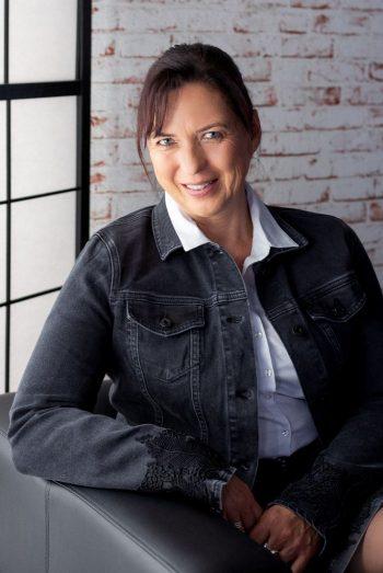 Claudia Graser